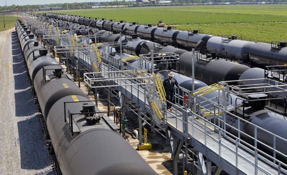 Louisiana officials back repealing crude oil export ban _lowres