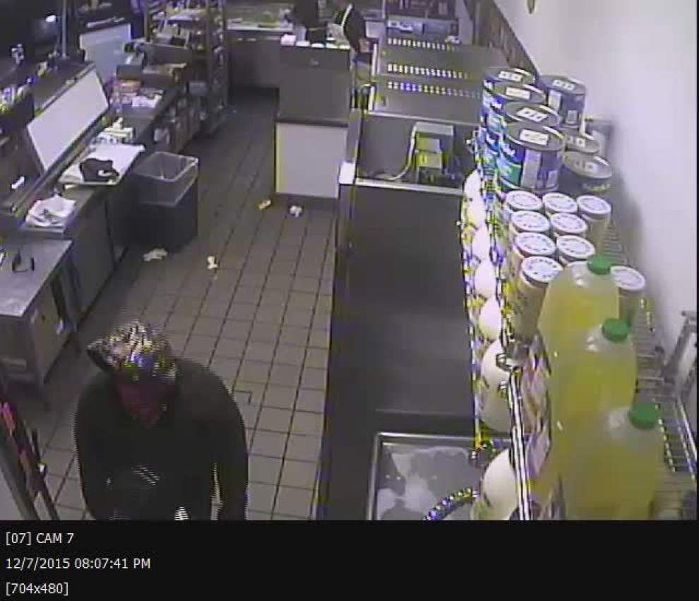 Sheriff's Office searching for information in Monday robbery at Baton Rouge sandwich shop _lowres
