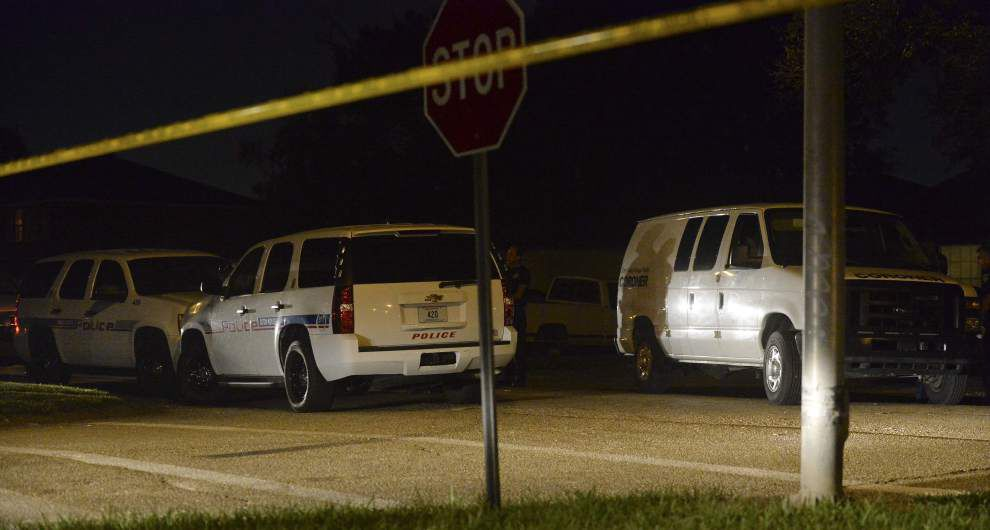 Update: Baton Rouge police search for suspect in double shooting that killed one, injured another Saturday night _lowres