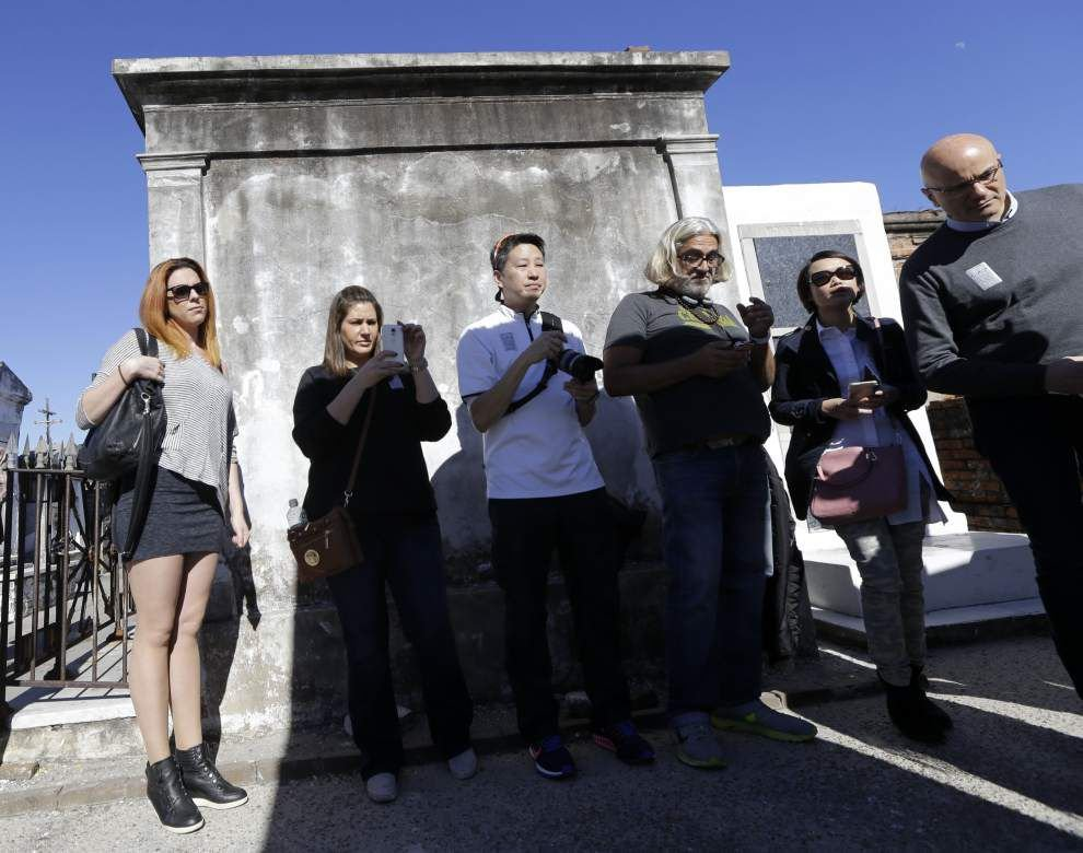 Historic St. Louis Cemetery in New Orleans to be closed off to tourists because of one main problem _lowres