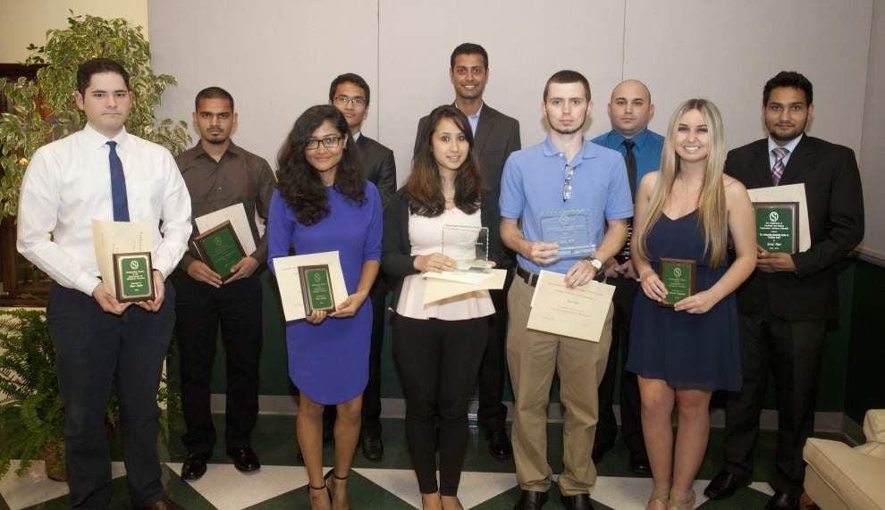 SLU students honored for academics _lowres