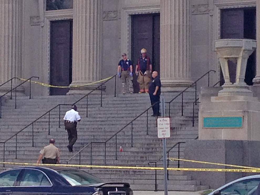 Suspicious package closes Orleans courthouse for an hour _lowres