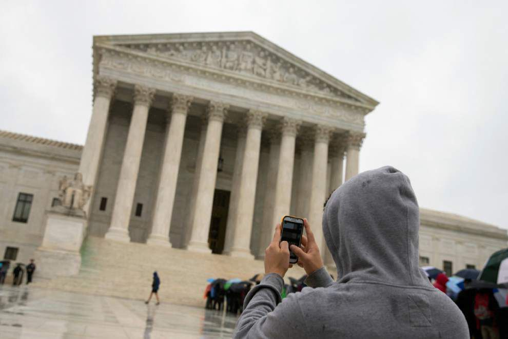 Justices limit cellphone searches after arrests _lowres