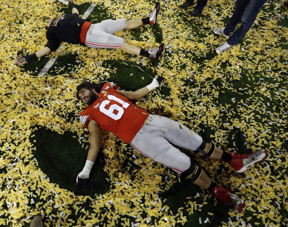 Rabalais: Old-school Buckeyes crunch newfangled Ducks in a CFP rout that few saw coming _lowres