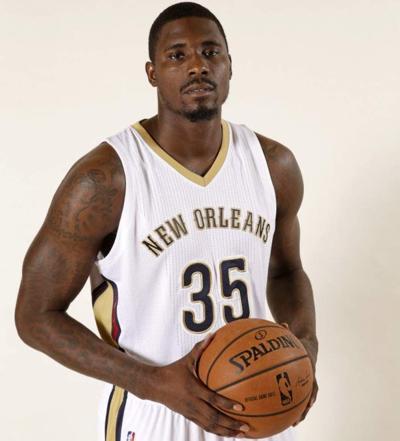 Pelicans waive forward Vernon Macklin _lowres