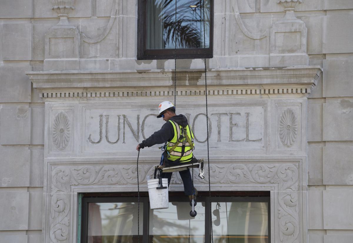 NO.hotelrenovation.adv.0001.JPG