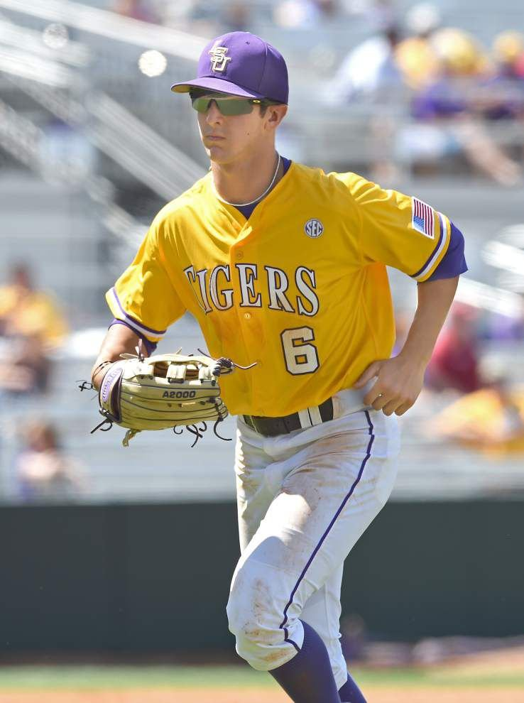 Photos: LSU 7, Arkansas 1 _lowres