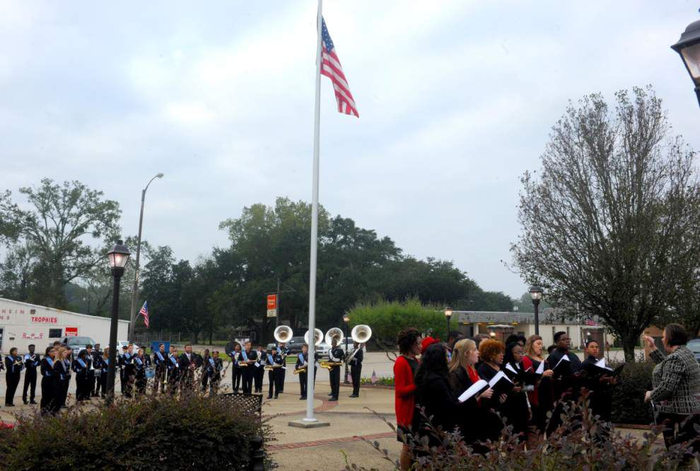 'Thank a veteran' message of ceremony _lowres