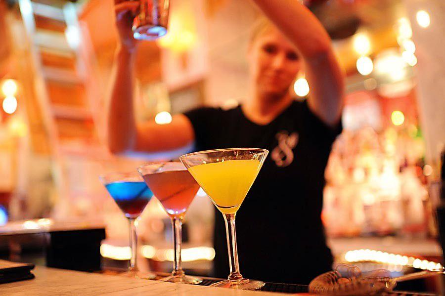 100+ Top Bars: Bourbon Street Gauntlet_lowres