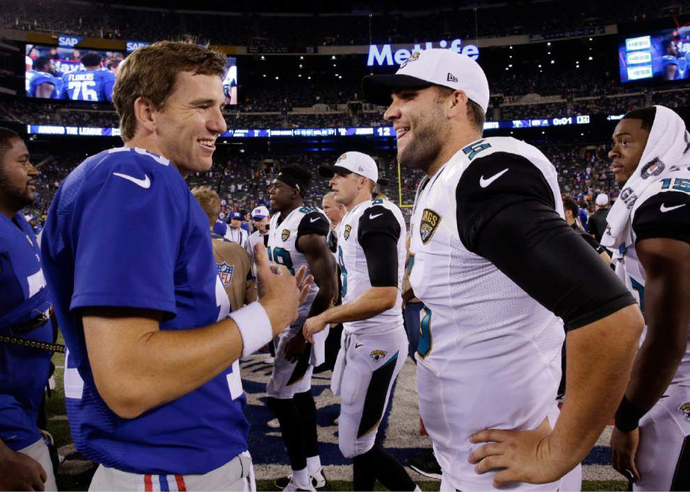 Eli Manning signs four-year contract extension with Giants _lowres