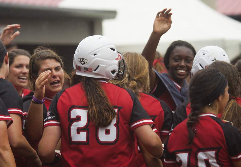 Ragin' Cajuns softball team begins long road trip with Appalachian State _lowres