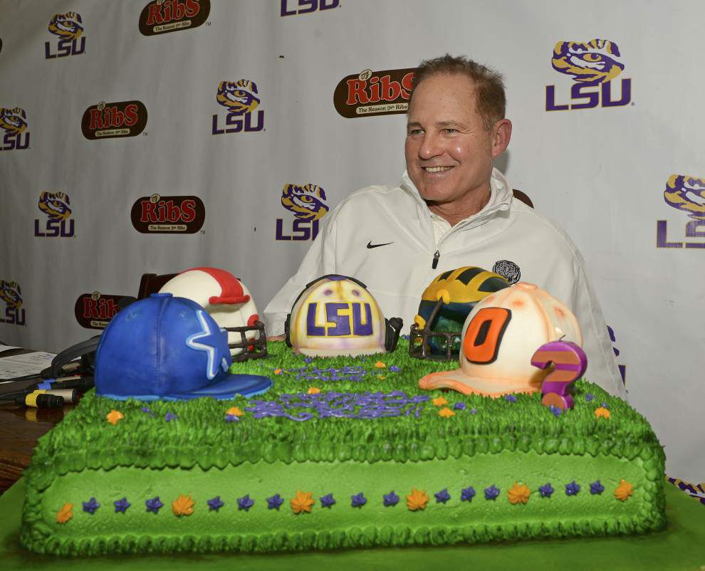 Scott Rabalais: Evidence mounting Les Miles coaching for his job next 2 weeks; three scenarios to decide his LSU fate _lowres