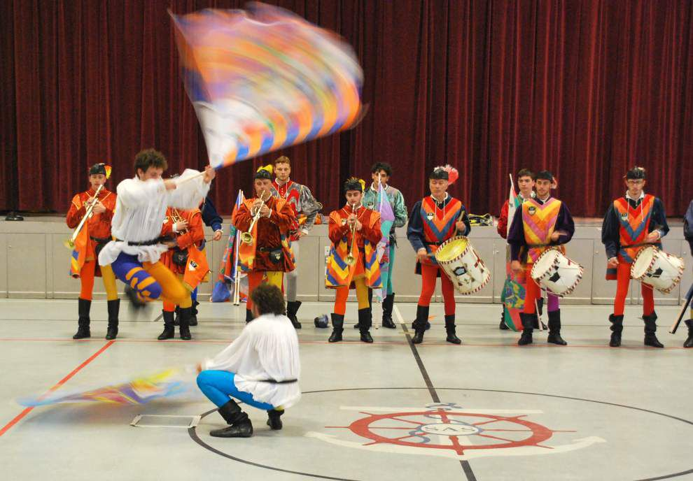 Flag-throwers from Italy visit St. Ann School _lowres