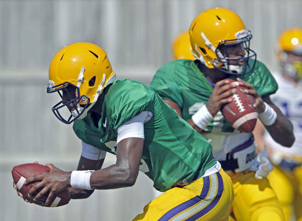 Anthony Jennings and Brandon Harris listed as dual starters in LSU's week one depth chart _lowres