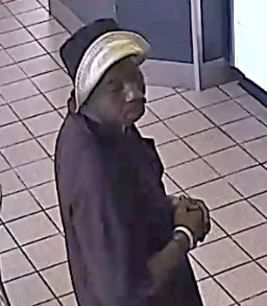 Baton Rouge police: Baskin Robbins robber samples ice cream, demands money, runs before getting cash _lowres