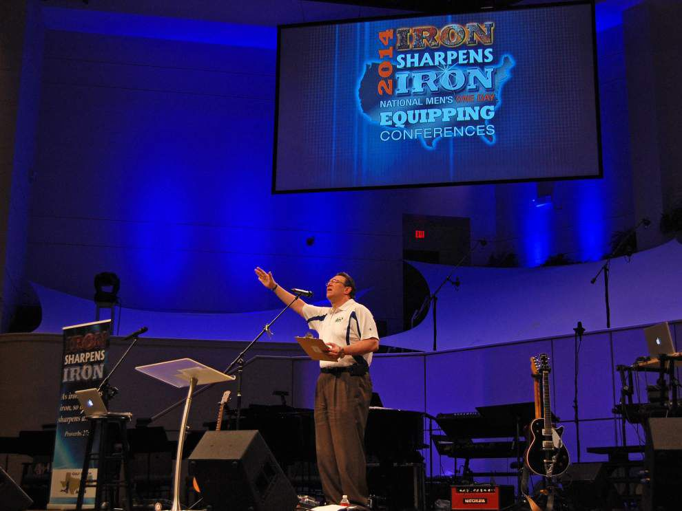 Momentum gathers for men's ministries _lowres