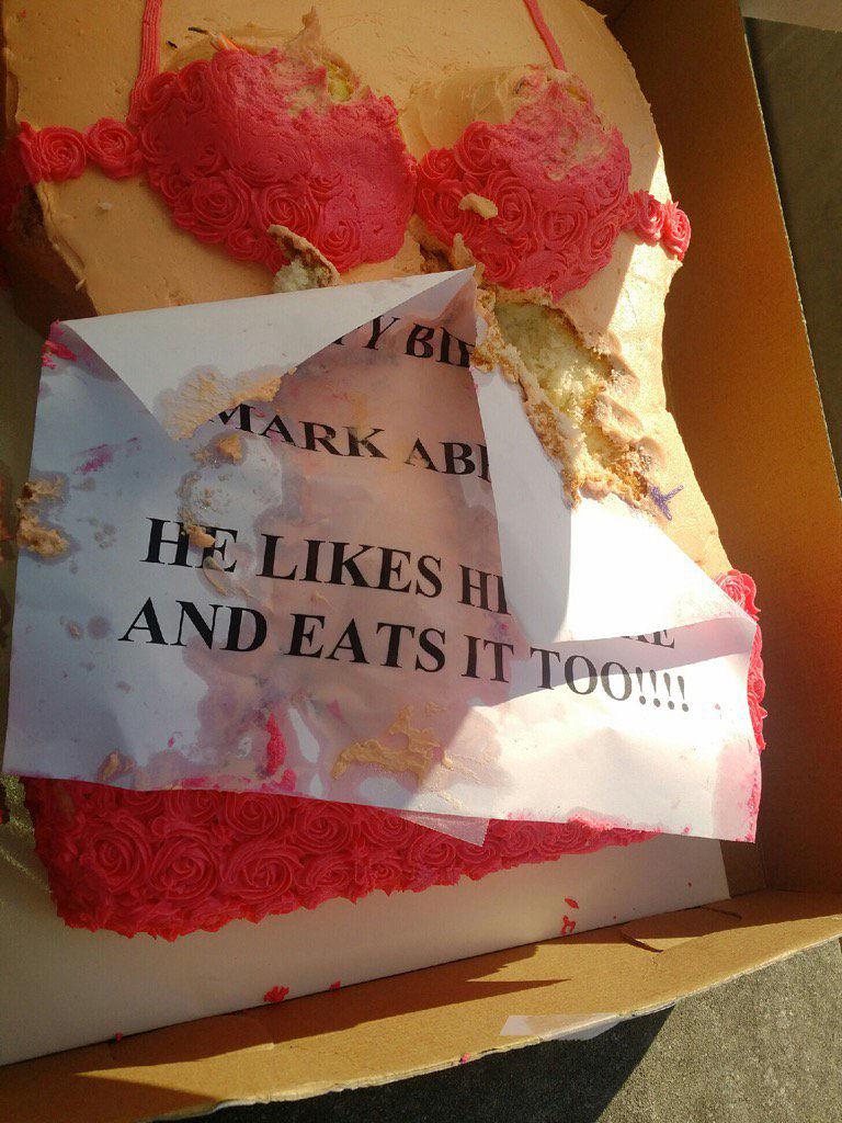 bikini cake at La Lege