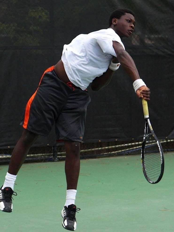 Immeasurable serve: Newman tennis player Princeton Carter possesses a fast serve, but he serves just as well in the community _lowres