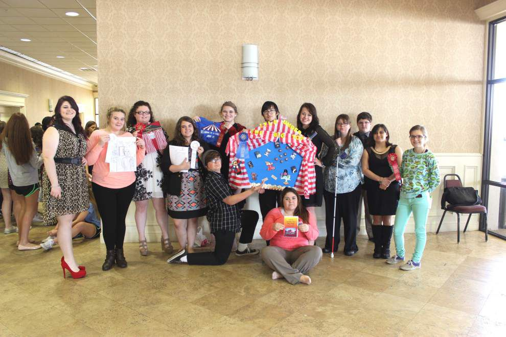 Library club attends annual area convention _lowres