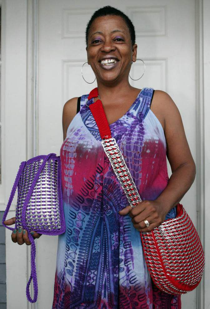 Can Do Attitude: Jazzfest crafter fashions soda pop-tops into purses _lowres