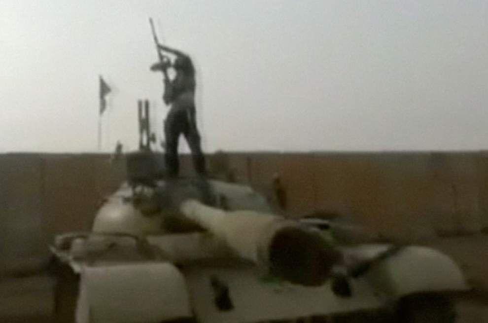 Iraq defense powerless against advance _lowres