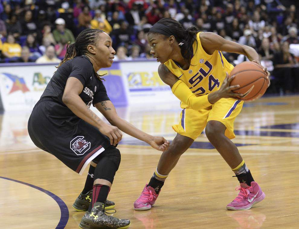No. 1 South Carolina cruises past LSU women 75-51 _lowres