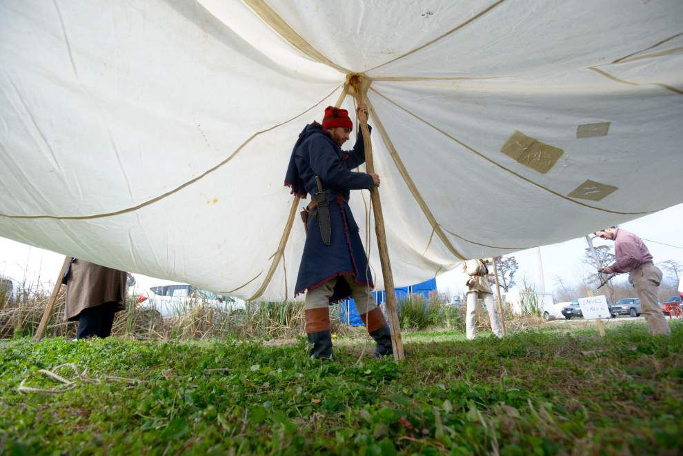 For war re-enactors, replaying battles is a way of life _lowres