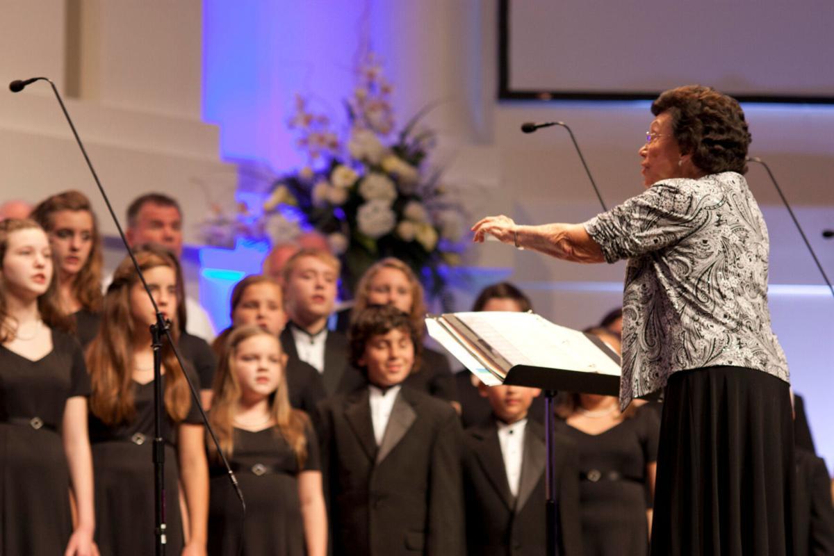 05.06.11_Choir_ES_05.jpg