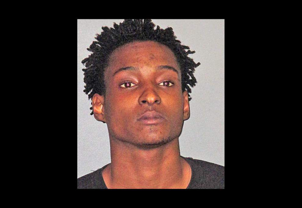 Baton Rouge Police: Baby's femur broken in wreck while dad escapes shooters in 'crack run' gone bad _lowres