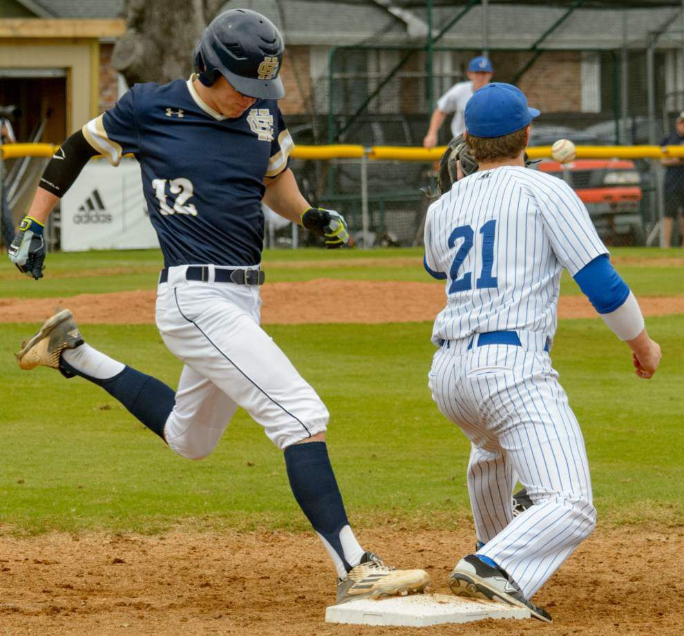 Holy Cross rallies in bottom of seventh for 4-3 victory over Jesuit _lowres