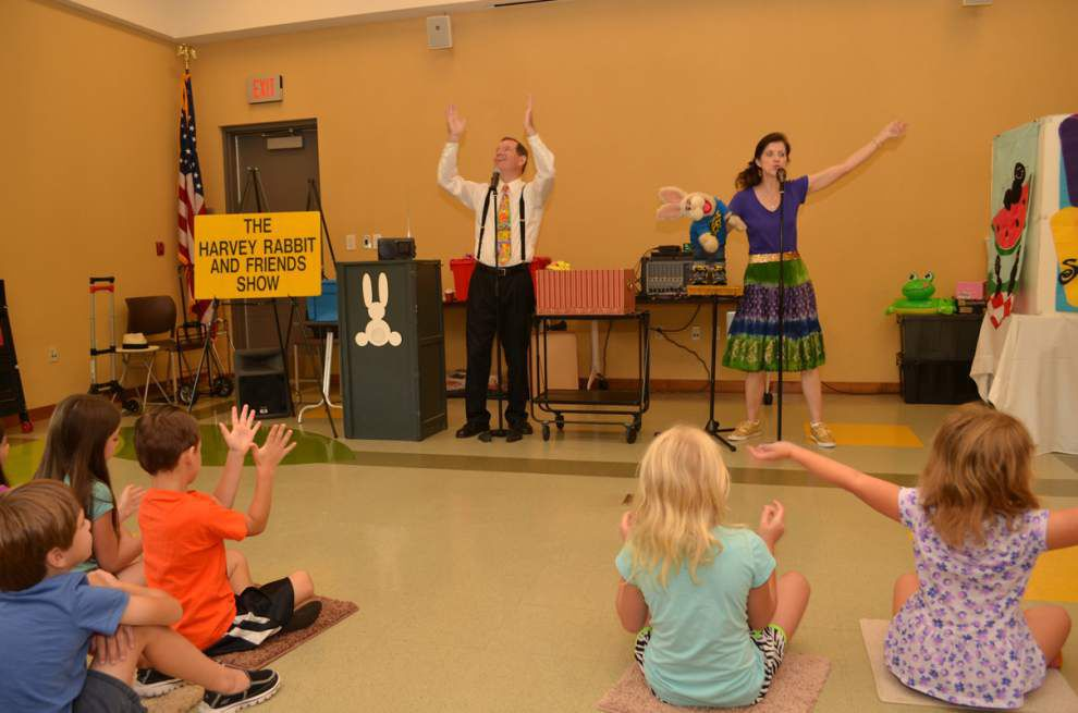 Harvey Rabbit and Friends visit the library with show _lowres