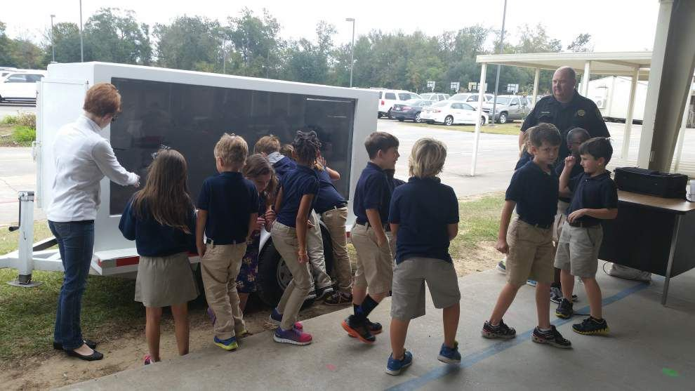 Officials give students lesson in gun safety _lowres