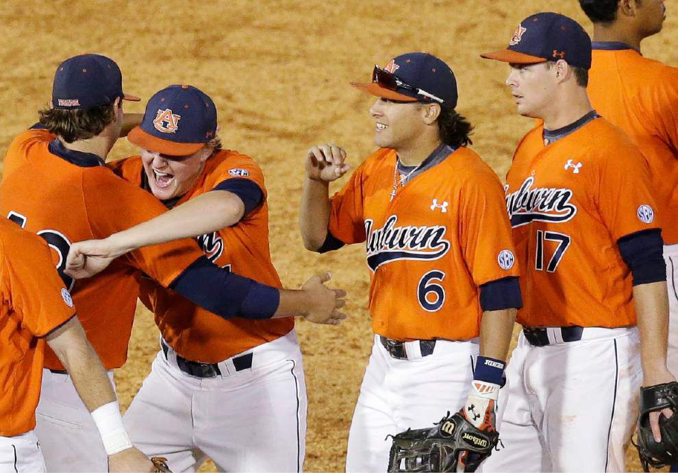 SEC baseball tournament roundup: Auburn wins, advances to face LSU _lowres