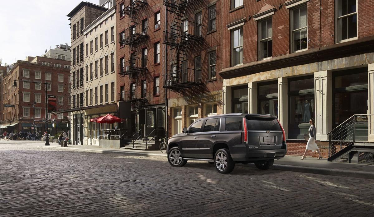 2018 Cadillac Escalade ESV 4WD Platinum