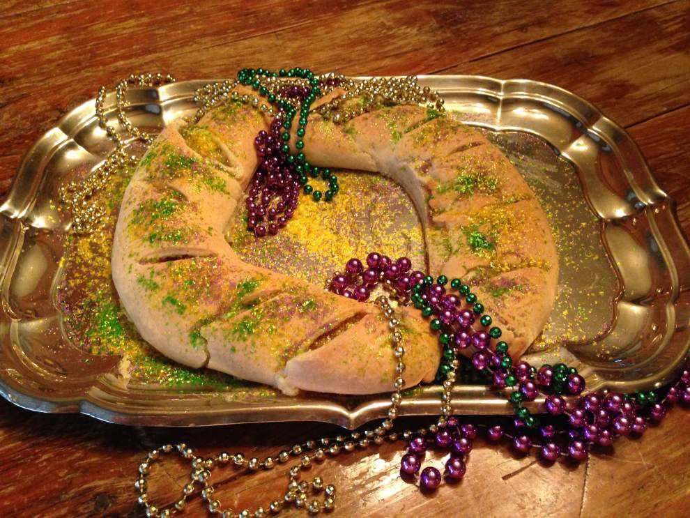 Gourmet Galley: Turning your coffee cake to king cake _lowres