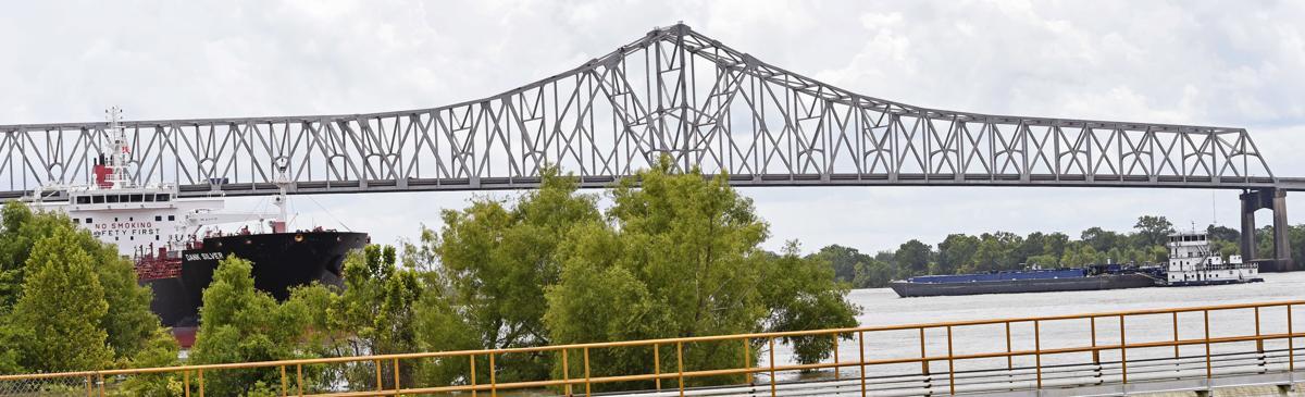 BR.bridgefolo1137.adv bf.jpg