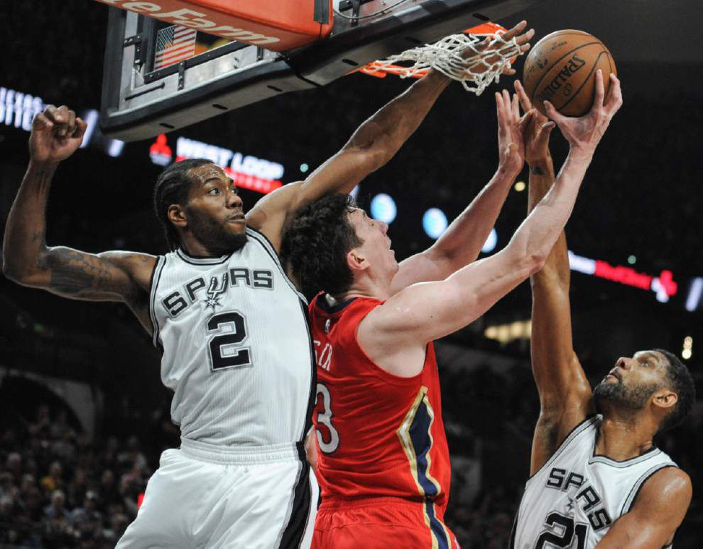 Spurs beat Pelicans, set NBA record with 38-0 start at home _lowres
