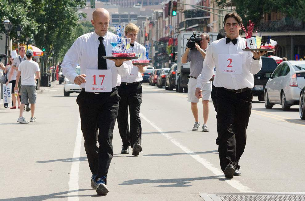 New Orleans waiters race is a balancing act _lowres
