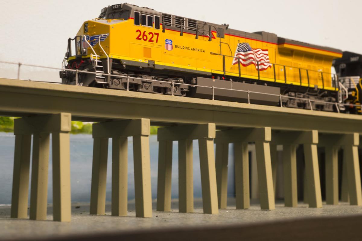 trainsepl.adv142.adv .jpg