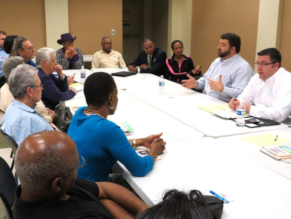 Residents engage in roundtable discussion _lowres