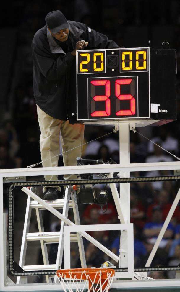 NCAA approves faster shot clock in men's basketball _lowres