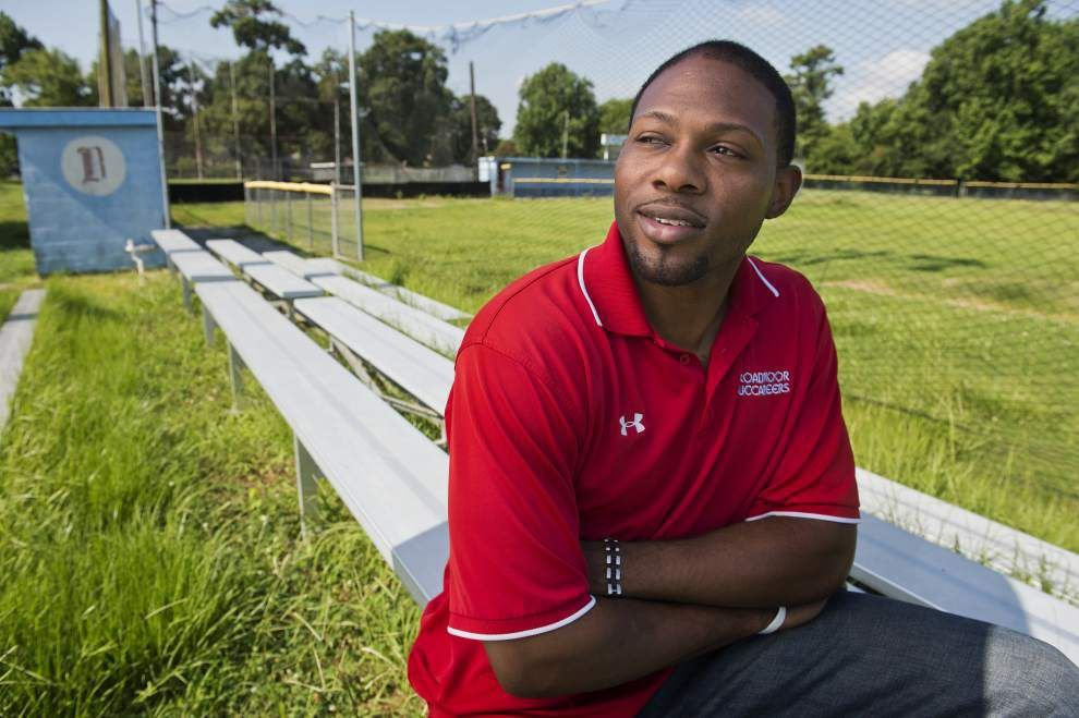 Mike Woods knows challenges await as Broadmoor baseball coach _lowres