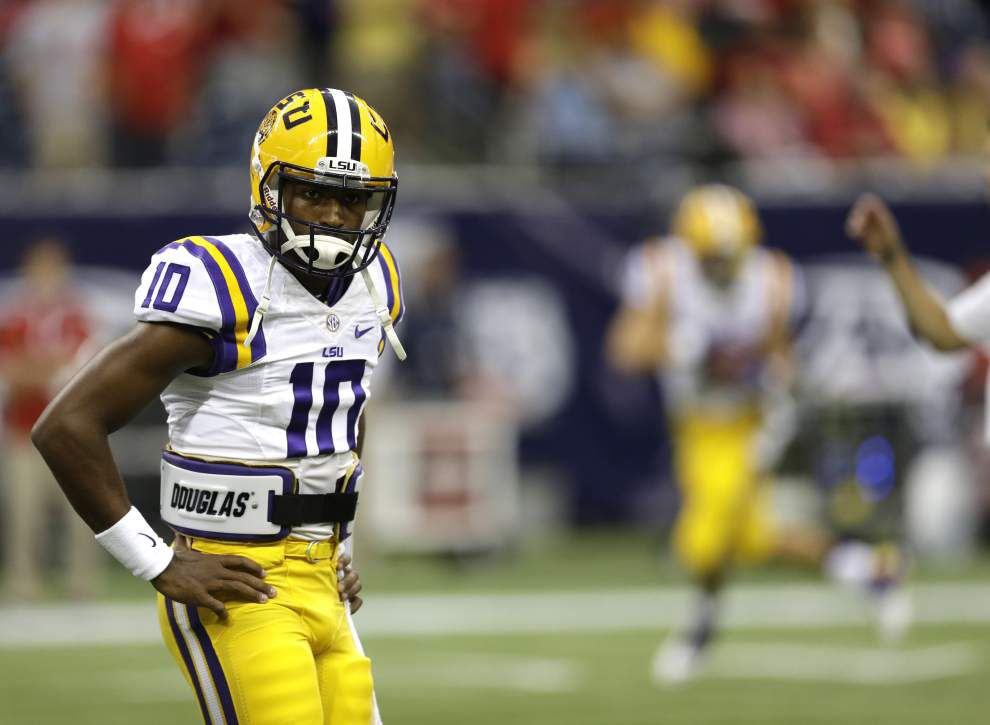 Video: Quarterback Anthony Jennings remained calm to lead LSU to a 28-24 comeback win against Wisconsin _lowres