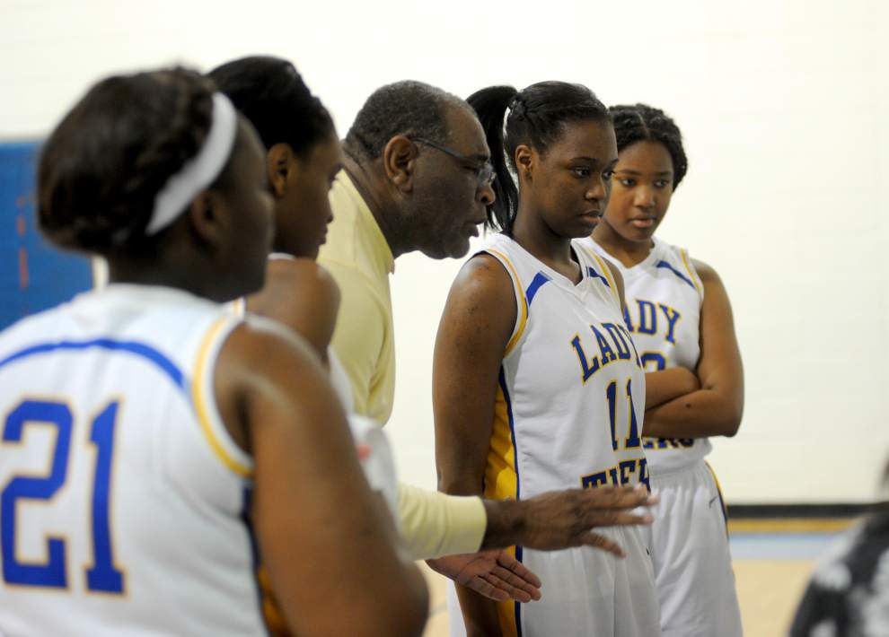 Lady Tigers defeat Lady Vikings in OT _lowres