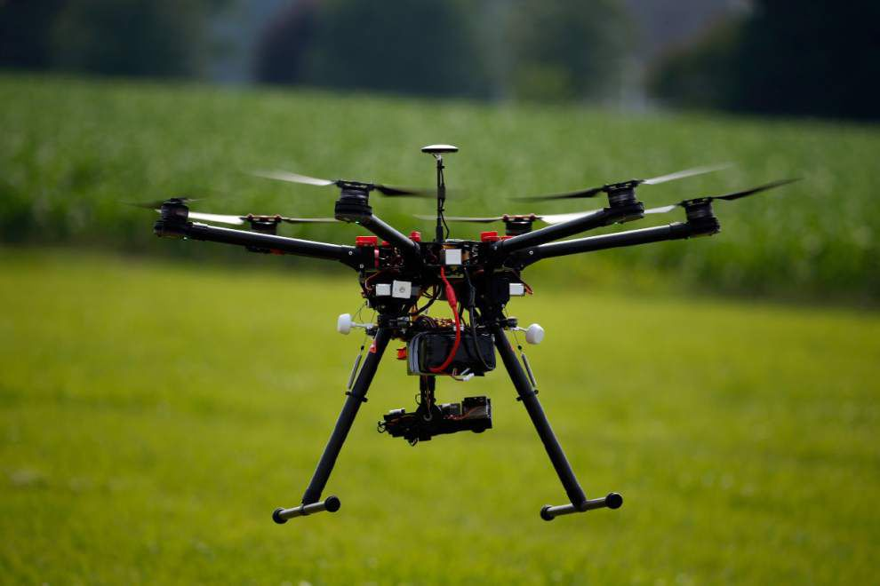 Aviation authority clears small, commercial drones for flight _lowres