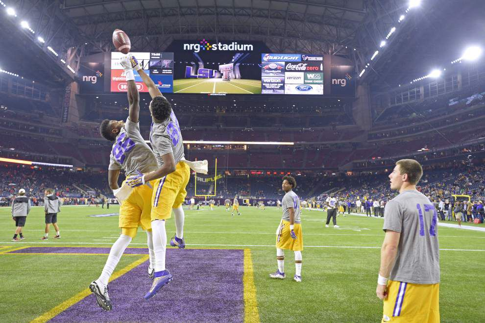 Photos: Thumping Leonard Fournette runs, flying tortillas, cowboy hats, more; LSU's win vs. Texas Tech had it all _lowres