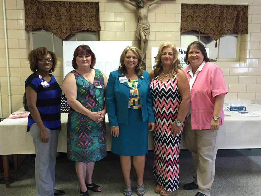 Professional Women's Organization elects leaders _lowres