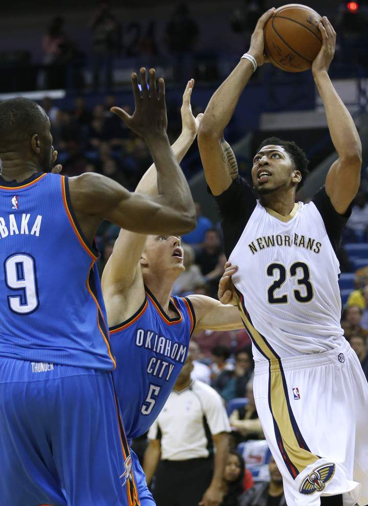 Anthony Davis sparks Pelicans over Thunder _lowres