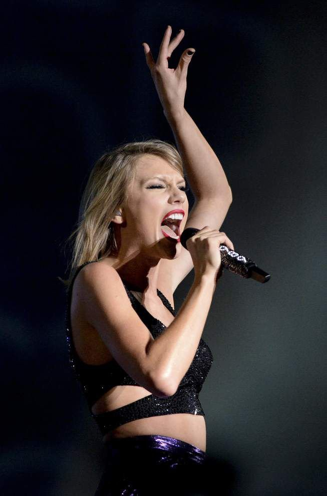 Taylor Swift Dazzles Fans In Baton Rouge With First Stadium Concert On Her 1989 World Tour News Theadvocate Com