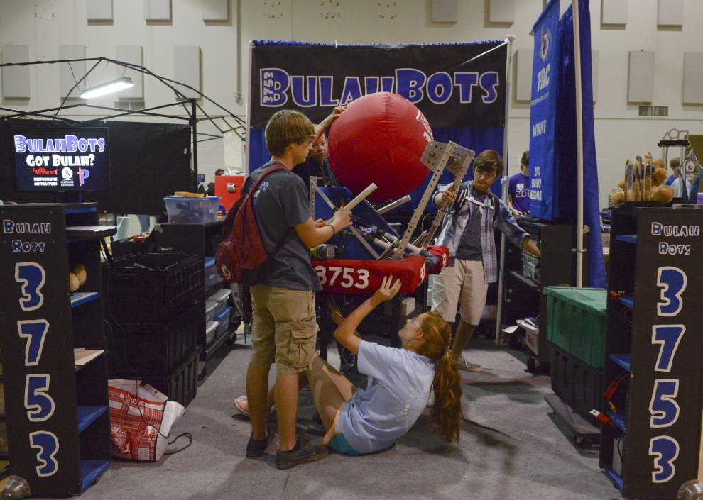 Woodlawn High hosts Red Stick Rumble Robotics Festival _lowres